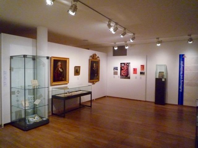 Im Historischen Museum der Stadt Regensburg werde auch Exponate aus den Räumen und dem Tempel der Loge präsentiert